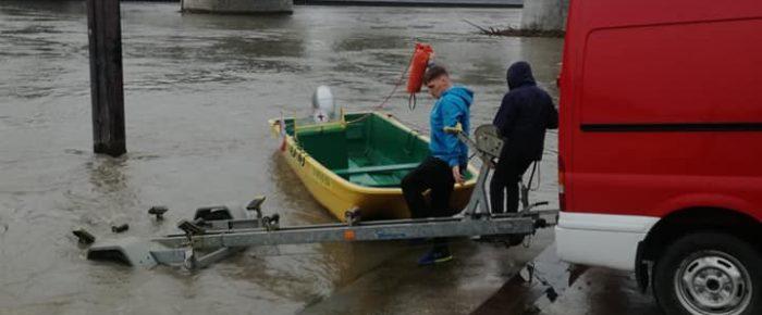 Wysoka woda w Odrze  w Kędzierzynie Koźlu